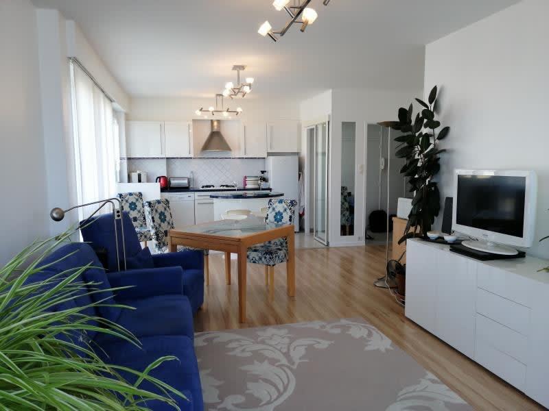 Sale apartment Fontenay le fleury 190000€ - Picture 1