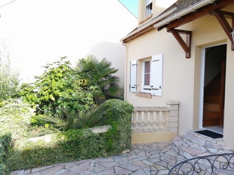 Sale house / villa Fontenay le fleury 690000€ - Picture 2