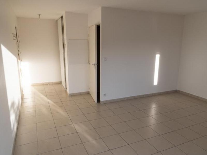 Rental apartment Arbent 481,50€ CC - Picture 3