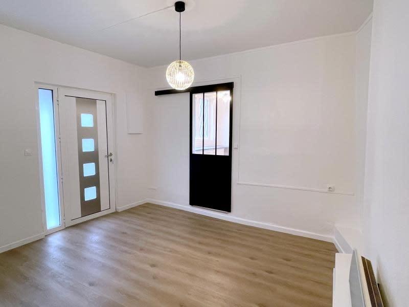 Rental apartment Villemomble 840€ CC - Picture 1