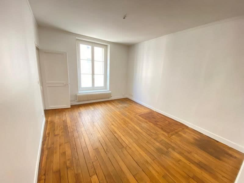 Rental apartment St germain en laye 950€ CC - Picture 1