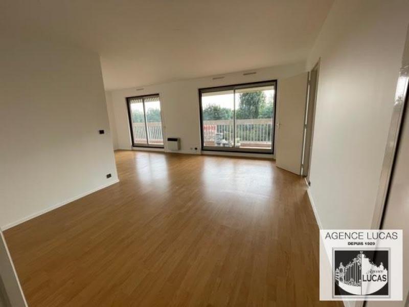 Rental apartment Verrieres le buisson 1450€ CC - Picture 2