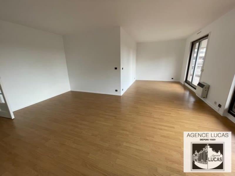 Rental apartment Verrieres le buisson 1450€ CC - Picture 3