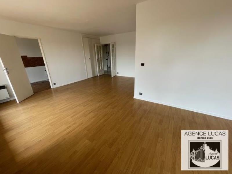 Rental apartment Verrieres le buisson 1450€ CC - Picture 4