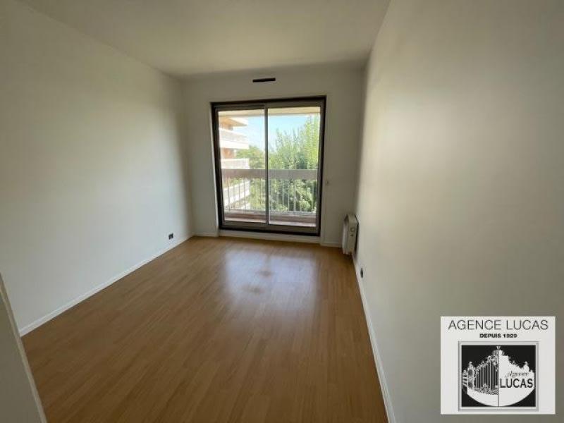 Rental apartment Verrieres le buisson 1450€ CC - Picture 6