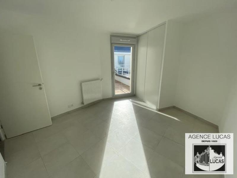 Rental apartment Beauchamp 795€ CC - Picture 3