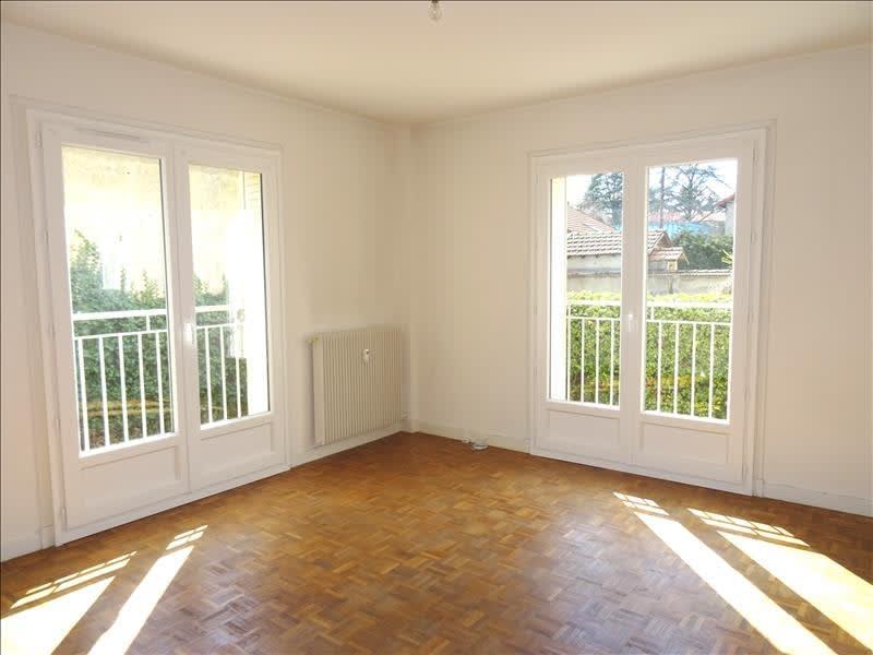 Rental apartment Riorges 380€ CC - Picture 1
