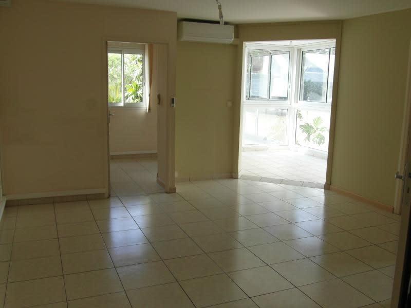 Sale apartment St denis 196000€ - Picture 2