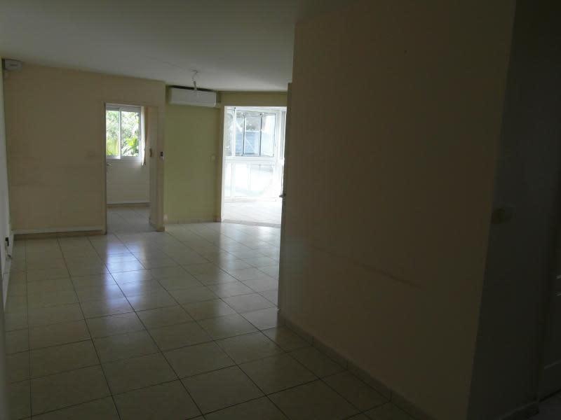 Sale apartment St denis 196000€ - Picture 3