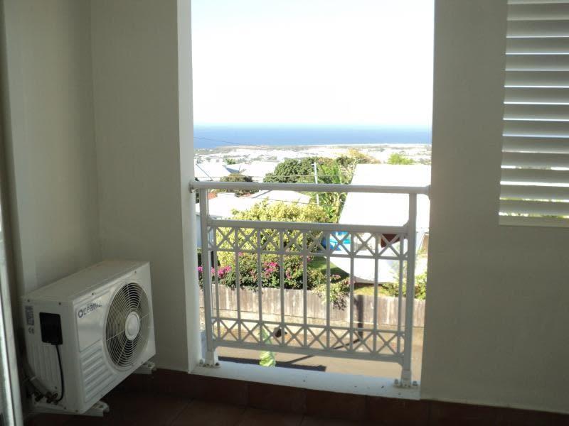 Sale apartment St denis 124200€ - Picture 3