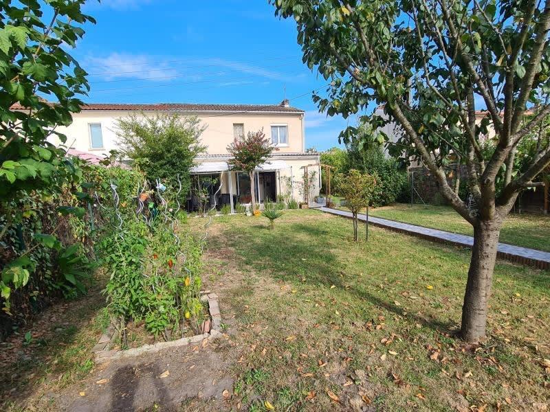 Sale house / villa Ambes 243500€ - Picture 1