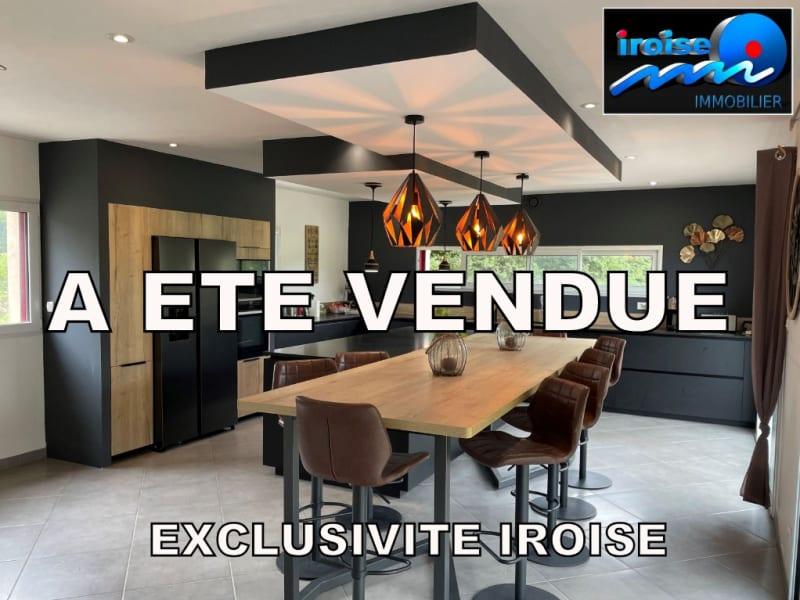 Sale house / villa Guilers 383000€ - Picture 1