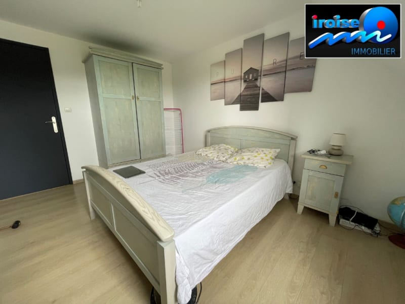 Sale house / villa Guilers 383000€ - Picture 12