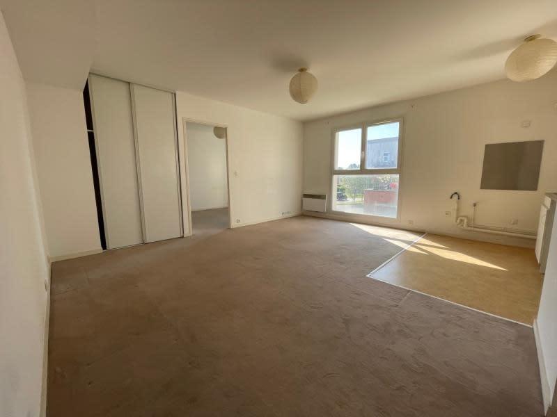 Sale apartment Val de reuil 65000€ - Picture 2