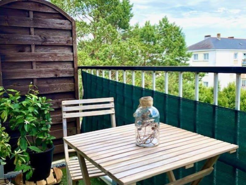 Appartement rénové et lumineux avec un balcon