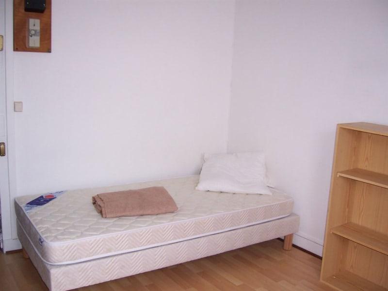Location appartement Paris 8ème 550€ CC - Photo 3