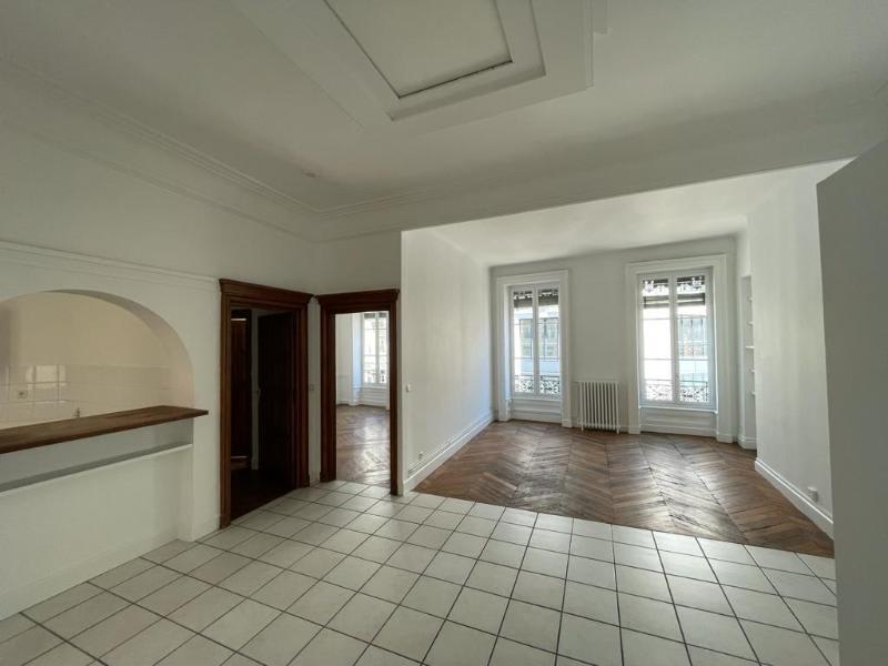 Location appartement Lyon 2ème 1811€ CC - Photo 4