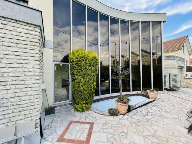 Sale house / villa Villemomble 700000€ - Picture 1