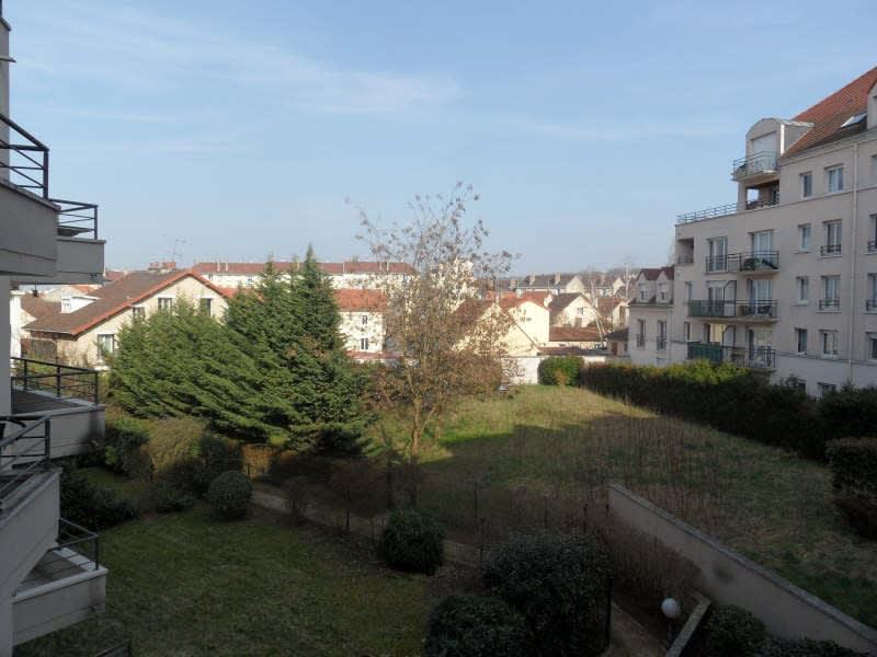 Rental apartment Poissy 830€ CC - Picture 2