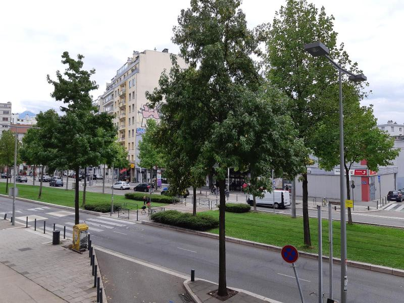 Location local commercial Grenoble 627€ HC - Photo 8