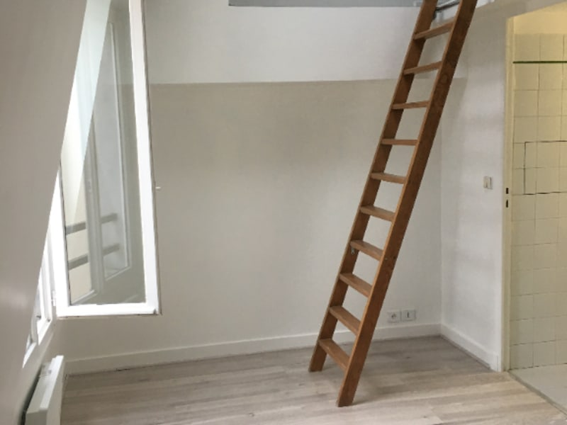 Location appartement Paris 11ème 695€ CC - Photo 2