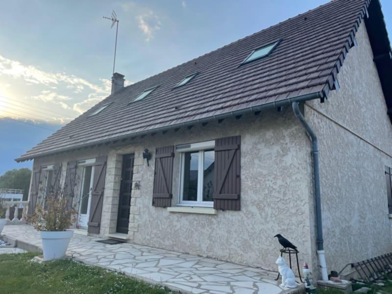 Sale house / villa Gisors 297000€ - Picture 1