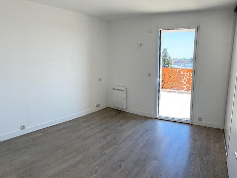 Rental apartment La roche sur yon 1212€ CC - Picture 6