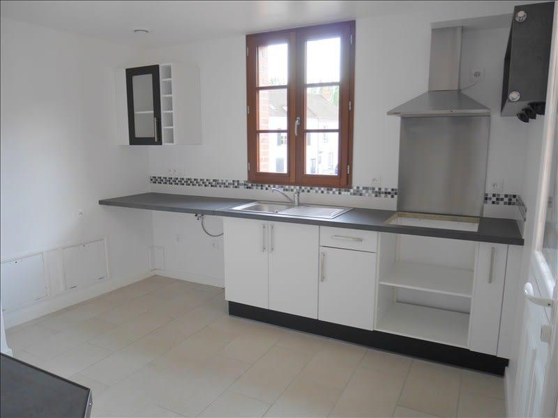 Location maison / villa Courville sur eure 570€ CC - Photo 3