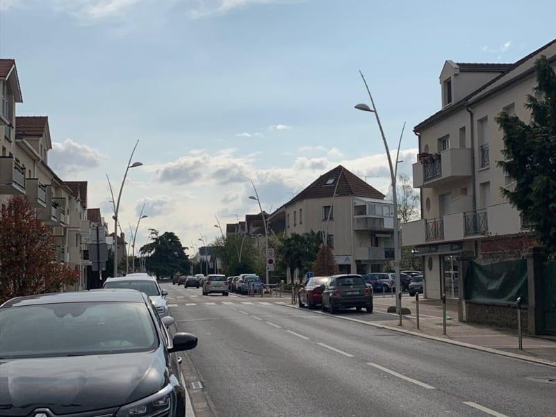 Alquiler  apartamento Sainte-geneviève-des-bois 720€ CC - Fotografía 9