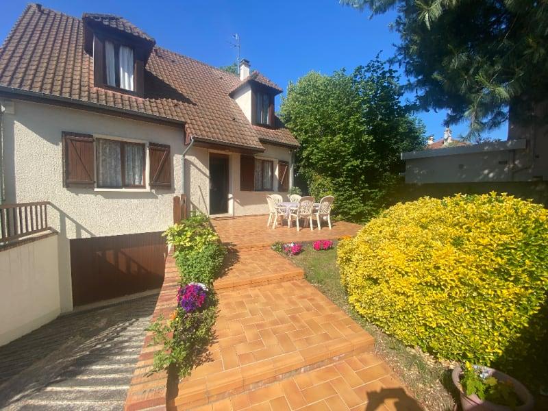 Sale house / villa Sartrouville 672750€ - Picture 1
