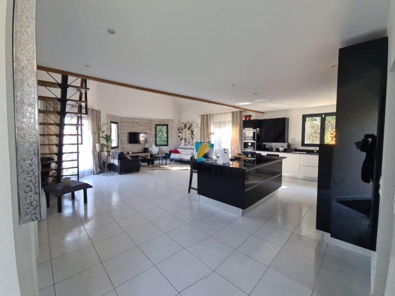 Sale house / villa Chevry cossigny 649000€ - Picture 1