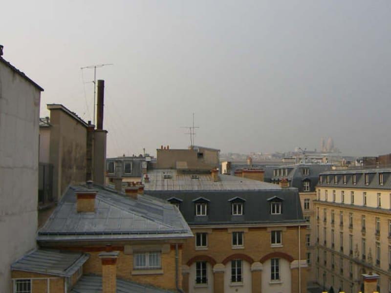 Rental apartment Paris 9ème 1080€ CC - Picture 1