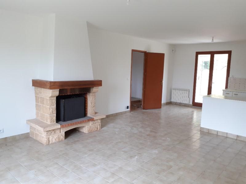 Location maison / villa St thurien 690€ CC - Photo 2
