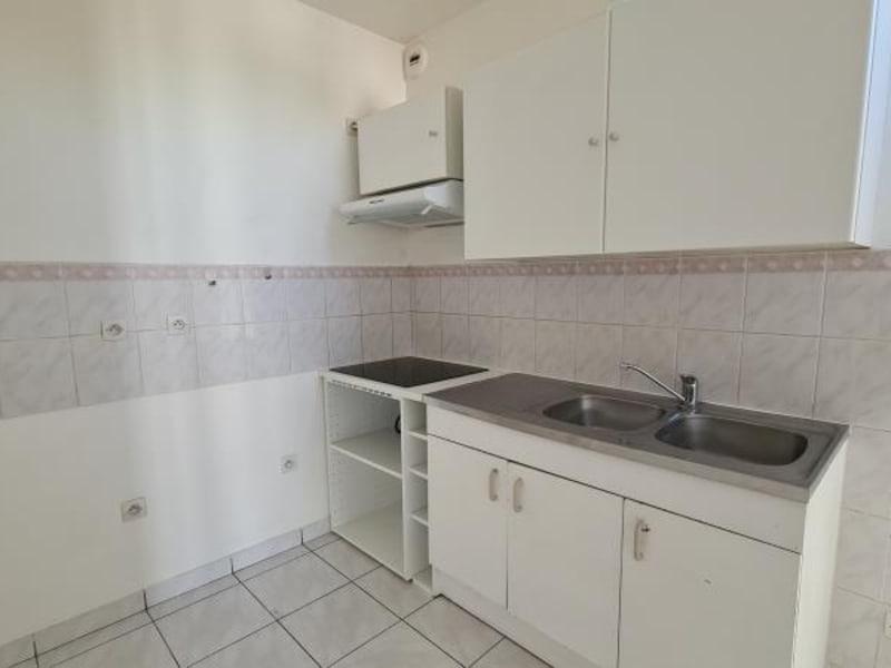 Rental apartment Maule 798€ CC - Picture 4