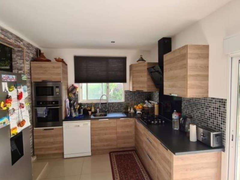 Sale house / villa Ambes 243500€ - Picture 2