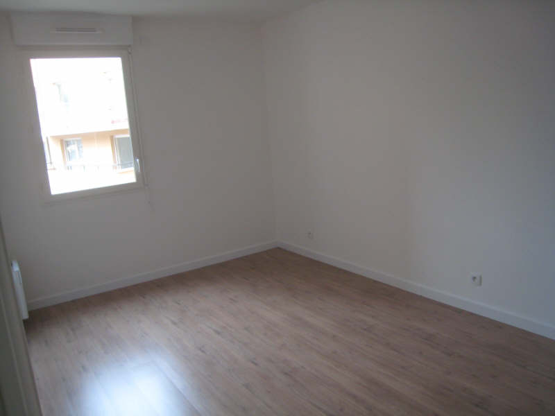 Rental apartment Osny 995€ CC - Picture 2