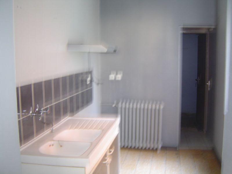 Rental house / villa Saint quentin 600€ CC - Picture 2