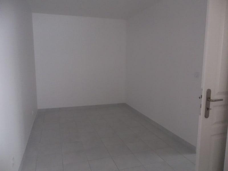 Location appartement Pont-de-chéruy 740€ CC - Photo 4