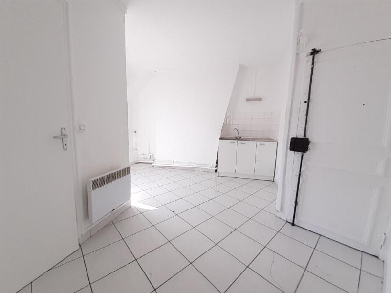 Sale apartment Paris 18ème 325000€ - Picture 3
