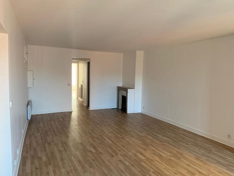 Rental apartment St germain en laye 2230€ CC - Picture 2