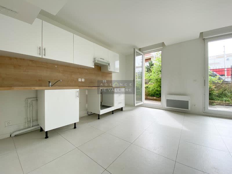 Rental apartment Nanterre 1413,76€ CC - Picture 4