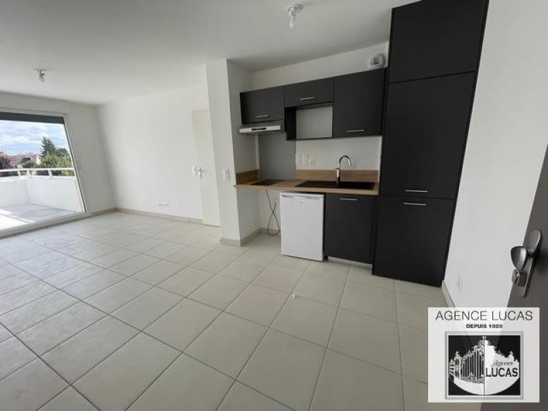Rental apartment Juziers 680€ CC - Picture 3