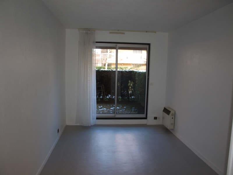 Location appartement Verrieres le buisson 520€ CC - Photo 2