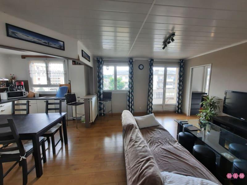 Location appartement Poissy 950€ CC - Photo 1