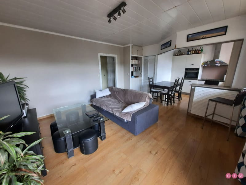 Location appartement Poissy 950€ CC - Photo 2