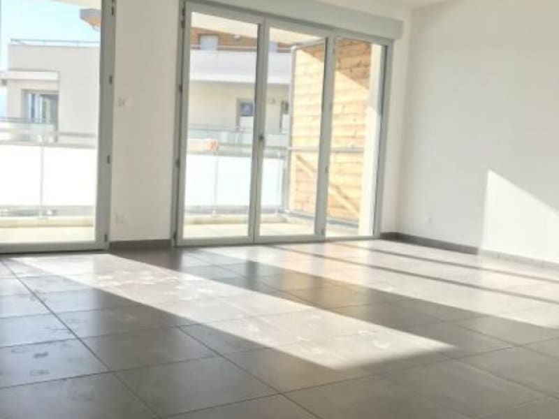 Location appartement Bassens 726€ CC - Photo 2