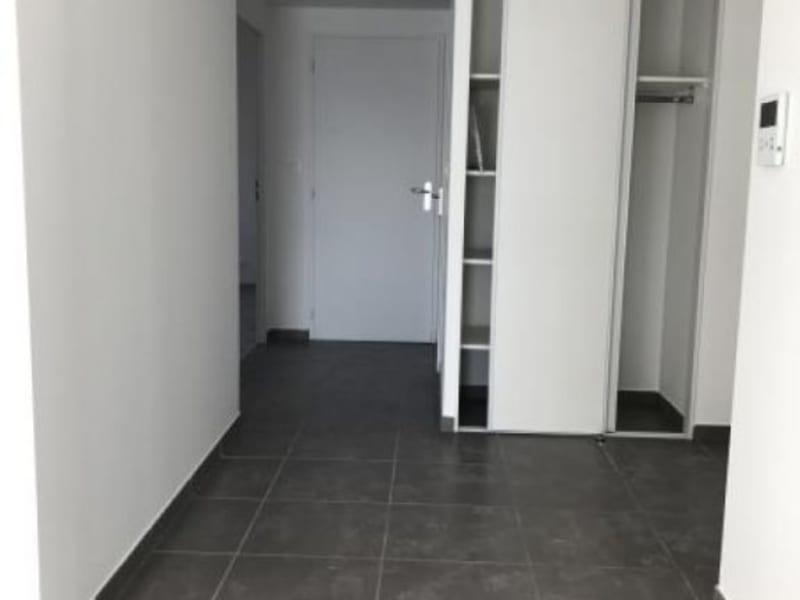 Location appartement Bassens 726€ CC - Photo 3
