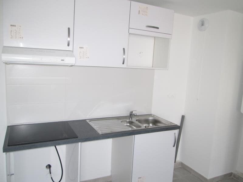 Rental apartment Balaruc le vieux 805€ CC - Picture 3
