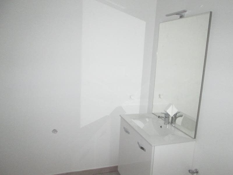 Rental apartment Balaruc le vieux 805€ CC - Picture 4