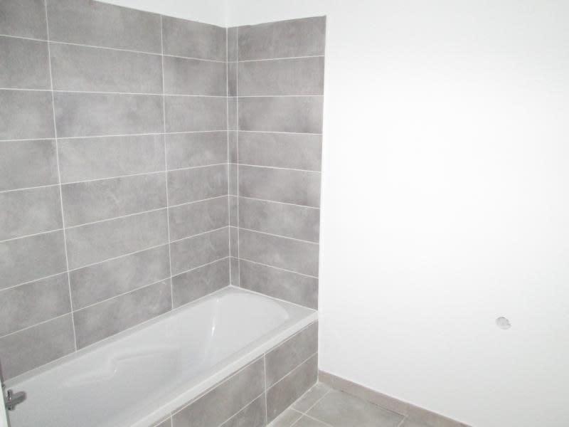 Rental apartment Balaruc le vieux 805€ CC - Picture 6